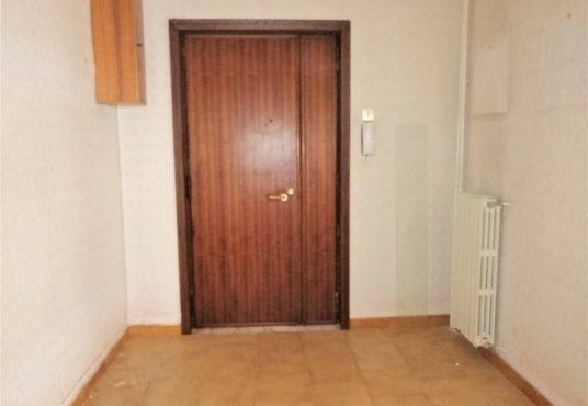 cimino agenzia immobiliare foggia-4-Vani-in-Vendita---Via-Bari,-13F-2