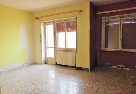 cimino agenzia immobiliare foggia-4-Vani-in-Vendita---Via-Bari,-13F-3