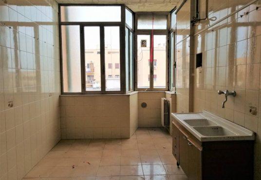 cimino agenzia immobiliare foggia-4-Vani-in-Vendita---Via-Bari,-13F-5