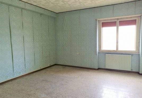 cimino agenzia immobiliare foggia-4-Vani-in-Vendita---Via-Bari,-13F-6