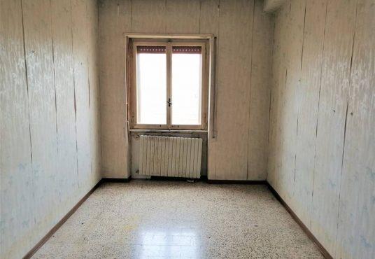 cimino agenzia immobiliare foggia-4-Vani-in-Vendita---Via-Bari,-13F-7