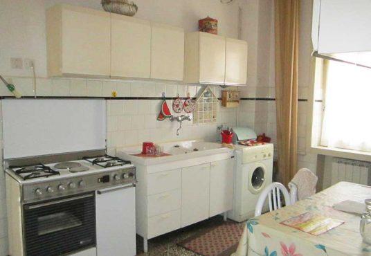 cimino agenzia immobiliare foggia-4-Vani-in-Vendita--Via-Emilio-Perrone,-42-2
