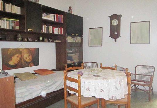 cimino agenzia immobiliare foggia-4-Vani-in-Vendita--Via-Emilio-Perrone,-42