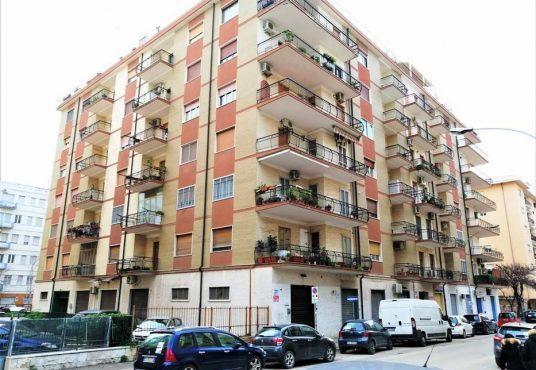 cimino agenzia immobiliare foggia-4-Vani-in-Vendita-Via-Luigi-Guerrieri,-7