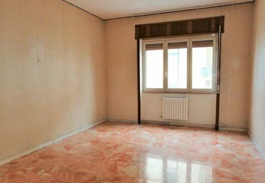 cimino agenzia immobiliare foggia-4-Vani-in-Vendita-Via-Luigi-Guerrieri,-7-6