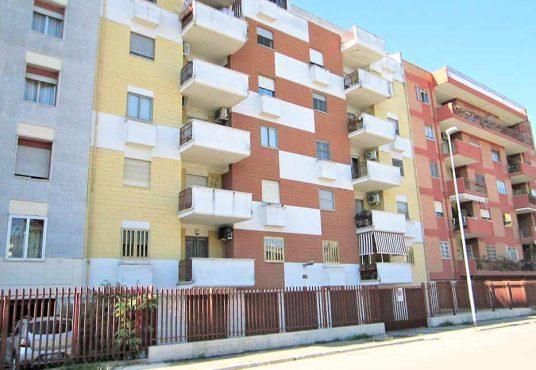 cimino agenzia immobiliare foggia-4-Vani-in-Vendita--Via-Luigi-Rovelli,-25-1