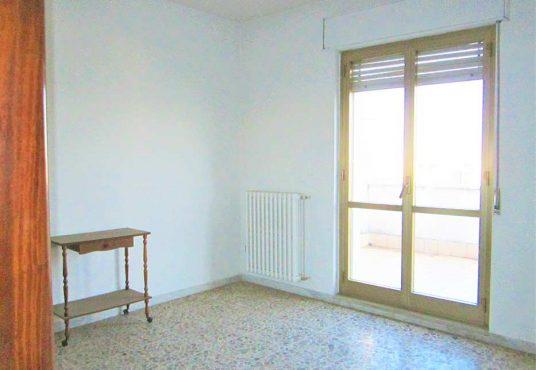 cimino agenzia immobiliare foggia-4-Vani-in-Vendita--Via-Luigi-Rovelli,-25-9