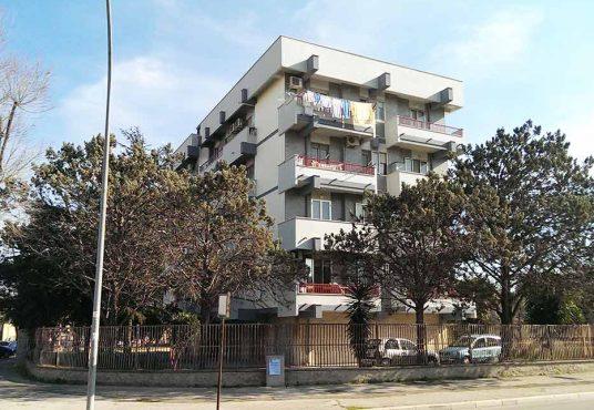 cimino agenzia immobiliare foggia-4-Vani-in-Vendita--Viale-Sant'Alfonso-Maria-De'-Liguori,-2