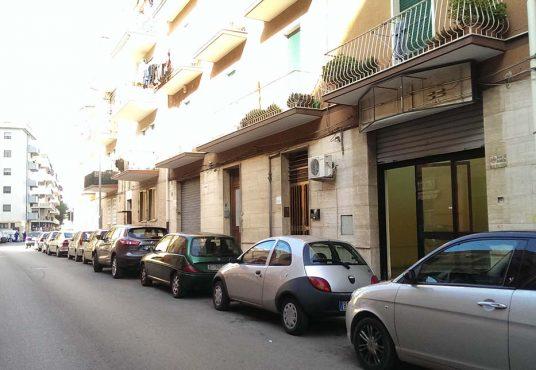 cimino agenzia immobiliare foggia-Locale-in-Vendita-e-Affitto---Via-Vincenzo-Acquaviva-1