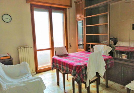 cimino agenzia immobiliare foggia-4-Vani-in-Vendita--Viale-Sant'Alfonso-Maria-De'-Liguori,-2-3