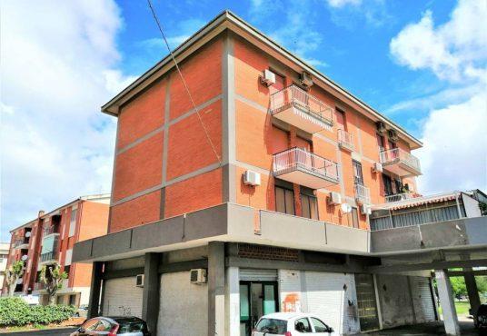cimino agenzia immobiliare foggia-3-Vani-in-Vendita-Via-Luigi-Sbano,25