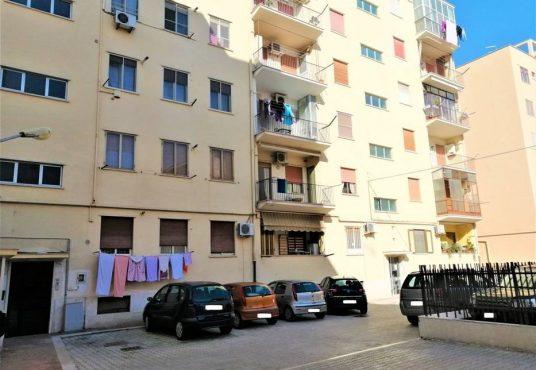 cimino agenzia immobiliare foggia-4-Vani-in-Vendita-Via-Bari,13B