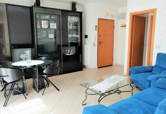 cimino agenzia immobiliare foggia-3-Vani-in-Vendita-Via-Manfredonia,-50A-1