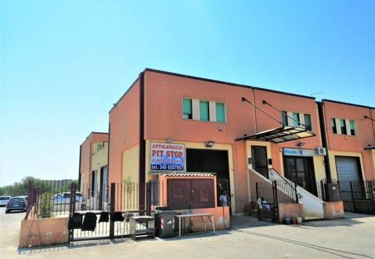cimino agenzia immobiliare foggia-3-Vani-in-Vendita-Via-Manfredonia,-50A