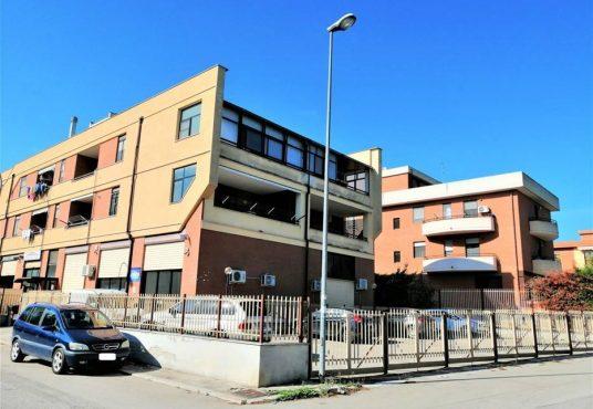 cimino agenzia immobiliare foggia-4-Vani-in-Vendita-Via-di-Tressanti-30