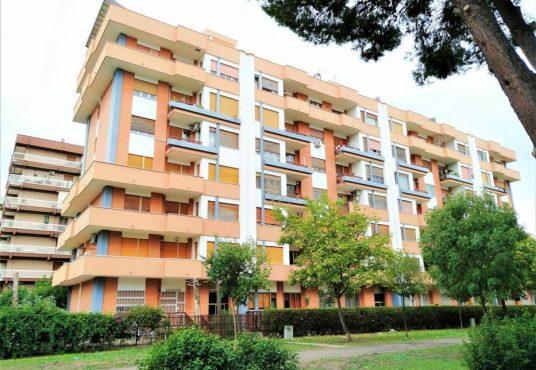 cimino agenzia immobiliare foggia-4-Vani-in-Vendita-Viale-Pinto-241A