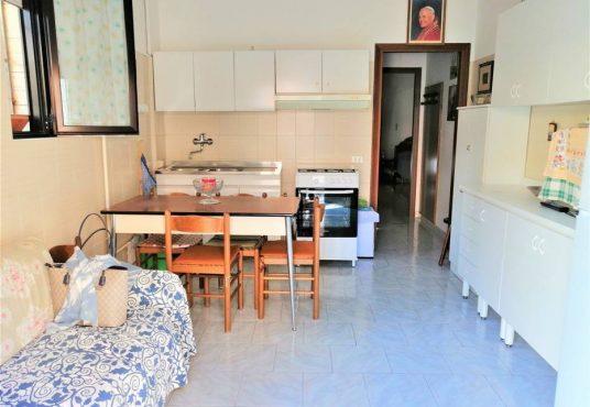 cimino agenzia immobiliare Carapelle-2-Vani-in-Vendita-Piazza-Dante-Alighieri-1B-1
