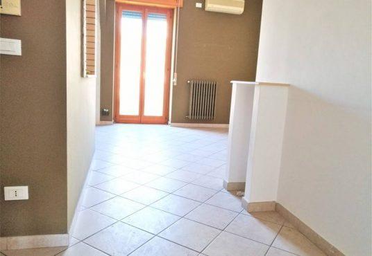 cimino agenzia immobiliare foggia-3-Vani-in-Vendita-Via-Monfalcone-87-2