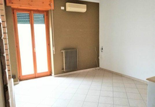 cimino agenzia immobiliare foggia-3-Vani-in-Vendita-Via-Monfalcone-87-3