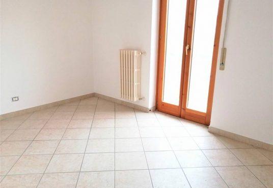 cimino agenzia immobiliare foggia-3-Vani-in-Vendita-Via-Monfalcone-87-9